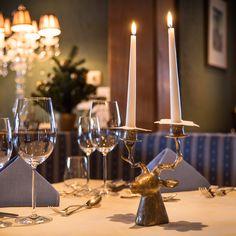 Dinner bei Kerzenschein in der Romantikstube im Tiroler Hotel Bergwelt in Obergurgl mitten in den Ötztaler Alpen. Bar, Restaurants, Candles, Alps, Candy, Restaurant, Candle, Pillar Candles, Lights