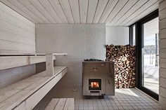 a sauna appliance? Four-Cornered Villa, Avanto Architects, sauna, light gray wood-panelled room with wooden planks Sauna Steam Room, Sauna Room, Design Sauna, Scandinavian Saunas, Scandinavian Style, Modern Saunas, Sauna Seca, Outdoor Sauna, Finnish Sauna