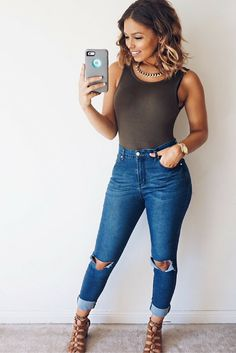 Lasula Boutique Denim, Forever 21 bodysuit, Dynamite necklace. Summer outfit, date night outfits, highwaisted jeans, distressed denim.