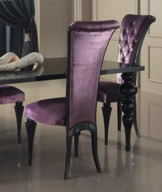 purple velvet and black chairs + black table dining room Gothic Furniture, Classic Furniture, Furniture Decor, Purple Home, Gothic Interior, Interior Design, Black Table, Black Chairs, Gothic House