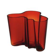 The Secret History Of: Alvar Aalto Savoy flower vase Modern Glass, Mid-century Modern, Modern Design, Contemporary, Alvar Aalto Vase, Vase Rouge, Red Vases, Murano, The Secret History