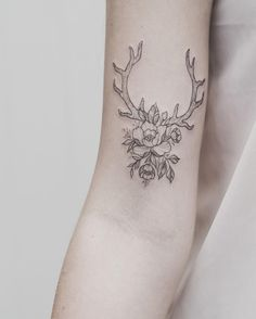 Antlers by Tritoan Ly Browse through over high quality unique tattoo designs from the world's best tattoo artists! Creative Tattoos, Unique Tattoos, Cute Tattoos, Beautiful Tattoos, Body Art Tattoos, New Tattoos, Small Tattoos, Tattoos For Guys, Tattoos For Women