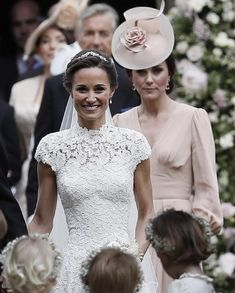 Kate Middleton Photos - Catherine, Duchess of Cambridge speaks to Princess Charlotte after the wedding of Pippa Middleton and James Matthews at St Mark's Church on May 2017 in in Englefield, England. - Wedding of Pippa Middleton and James Matthews Pippa Middleton Wedding Dress, Carole Middleton, Middleton Family, Kate Middleton Photos, Pippa And James, Kate And Pippa, Princesa Kate Middleton, The Duchess, Duchess Of Cambridge