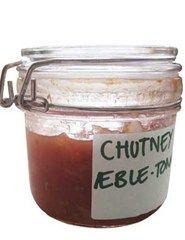 Chutney med tomat, æbler og løg