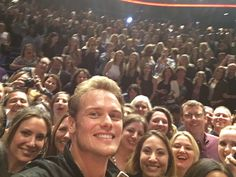 Sam and fans at the NYC screening of Voyager - Outlander (@Outlander_STARZ) | Twitter