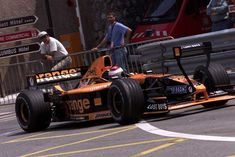 What is it? It's the strange Arrows Asiatech A22 at Monaco Gp 2001. The drivers was Jos Verstappen and Enrique Bernoldi. They finished 8th and 9th!