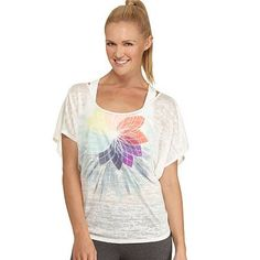 We love this Free Society Kaleidoscope Burnout Dolman Tee from Kohl's to wear with our mint FitClips! #Fit4Life