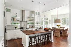 classic beach house kitchen