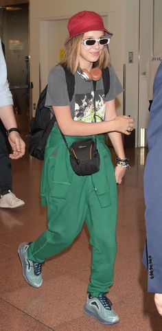O estilo de Millie Bobby Brown - Guita Moda Cowgirl Style Outfits, Casual Outfits, Fashion Outfits, Fasion, Zendaya, Bobby Brown Stranger Things, Brown Outfit, Celebrity Look, Skinny