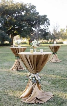 Wedding Outside: That's what you have to think about when you celebrate in t. wedding decor outdoor Wedding Outside: That& what you have to think about when you celebrate in t. Cocktail Wedding Reception, Cocktail Tables, Cocktail Table Decor, Reception Party, Cocktail Engagement Party, Outdoor Cocktail Party, Engagement Party Favors, Wedding Outside, Wedding Backyard