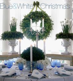 Chinoiserie Chic: Blue and White Christmas Coastal Christmas, Noel Christmas, White Christmas, Christmas Ideas, Holiday Ideas, Christmas Place, Natural Christmas, Christmas Dishes, Victorian Christmas