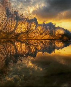 Waves & Reflection Photo by - Travel Beautiful Sunset, Beautiful Beaches, Beautiful World, Reflection Photos, Saint Ouen, Les Artisans, Biarritz, Enjoy Your Life, Sunset Photos