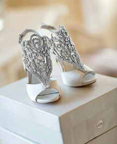 Vince Camuto bridal shoes ▪ Zapatos de novia de Vince Camuto