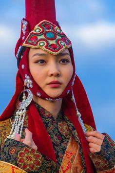 Home - Jim Zuckerman Photography 3d Foto, Concept Clothing, Beautiful People, Beautiful Women, Costumes Around The World, Period Costumes, Oriental Fashion, Folk Costume, Historical Costume