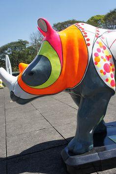 Rino Mania  Rüno: Rinoceronte de Dürer  Artista Quim Alcantara  quim.com.br  Exposição: MuBE  Localização nas ruas: Rua Oscar Freire X Bela Cintra - Jardins     For topics and discussion on  mania  go www.mybrainsick.com.