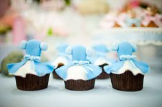 Adriana Gaspar e Marcela Castro Cupcake Cookies, Mini Cupcakes, Girl Birthday, Birthday Parties, Festa Party, Candy, Desserts, Cinderella Princess, Food