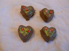 Fyldte chokolader med kærlighedeliksir - http://www.mytaste.dk/o/fyldte-chokolader-med-k%C3%A6rlighedeliksir-2007293.html