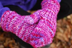 Chunky knitting patterns: Warmest Mittens by Kate Oates, download on LoveKnitting