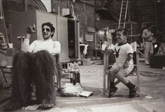 Peter Mayhew and Kenny Baker on the set of Star Wars