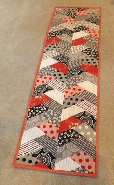 Treadle Quilts: Table runner mania!
