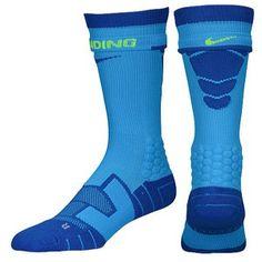 nike vaper socks Football Socks, Nike Socks, Nike Vapor, Designer Socks, Foot Locker, Cool Socks, Jordans, Vans, Footwear