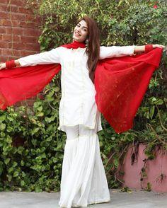 Beautiful Traditional White Sharara Gotta Patti Dress in Kinza Hashmi! ❤ #Gorgeous #PrettyGirl #KinzaHashmi #PakistaniCouture #PakistaniFashion #PakistaniActresses #PakistaniCelebrities ✨