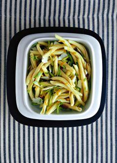 Pasta fredda con zucchine, limone e pecorino