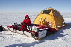 Expedición Acciona a la Antártida, con la tienda especial que les construimos.
