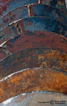 Color inspiration and texture rust metal Abstract Canvas, Oil Painting On Canvas, Art Grunge, Graphisches Design, Rusted Metal, Peeling Paint, Rust Color, Texture Art, Abstract Photography