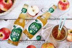 Cydr Green Mill w nowej, świeżej szacie graficznej – prosto ze studia Soul Cake!    Cydr Green Mill to naturalny, orzeźwiający napój niskoalkoholowy tworzony ze 100% soku jabłkowego. Od niedawna jest dostępny w nowych opakowaniach i nowej szacie graficznej, za którą odpowiada agencja Soul & Mind. Nowe opakowanie trafiły także na sesję do naszego studia, gdzie poprzez odpowiednią aranżację nadaliśmy właściwy tej marce charakter orzeźwienia i lekkości.