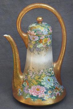 Large Beautiful Japanese Satsuma Teapot Signed Kinkozan (item #1307179, detailed views)