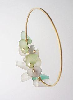 Mad About Jewelry, NY, 2-5 Octobre 2013  Delphine Nardin - Mes pièces uniques seront exposées au Musées des Arts et du Design à New York, à l'occasion de l'... #seaglassbracelet