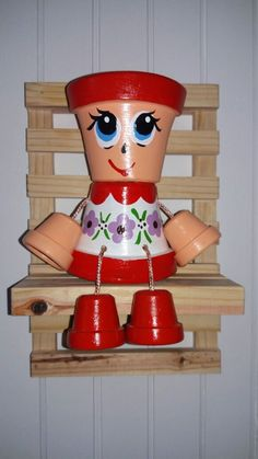 Image associée Flower Pot People, Clay Pot People, Clay Pot Projects, Clay Pot Crafts, Wood Crafts, Painted Plant Pots, Painted Flower Pots, Summer Crafts For Kids, Crafts To Make And Sell