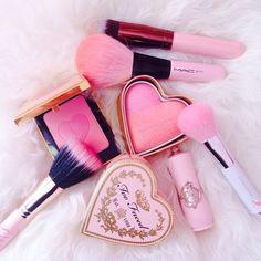 Makeup Blog, Beauty Makeup, Eye Makeup, Pink Makeup, Makeup Stuff, Makeup Kit, Rose Gold Aesthetic, Aesthetic Makeup, Just Girly Things