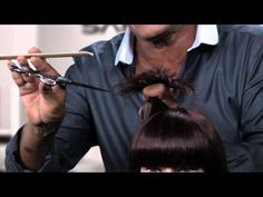 Learn the secret to cutting layers to either reduce weight or create more of a textured, choppy look in this Q video from Sam Villa.