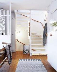 Living Room Inspiration, Interior Inspiration, Interior Decorating, Interior Design, House Stairs, Living Styles, Little Houses, Cozy House, Decoration
