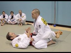 How to keep your opponent grounded in your closed guard by Pedro Sauer