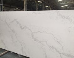 Calacatta White quartz, the most beautiful marble looking quartz white color quartz stone - White Things Gray Quartz Countertops, Calacatta Quartz, Quartz Slab, Quartz Stone, Tile Countertops, Backsplash, Outdoor Kitchen Countertops, Kitchen Countertop Materials, Kitchen Counters