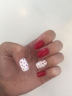 New red nails with cute desing ❤️ Red Nails, Beauty, Red Nail, Beleza