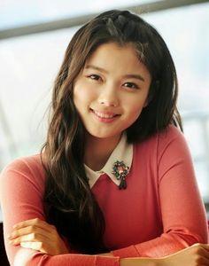 I like Kim So-Hyun but I like Kim Yoo Jung more... Dunno why...