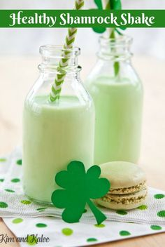 The original McDonald's Shamrock Shake packs 550 calories! That's nearly a 3rd of the calories we eat per day! This healthy shamrock shake recipe is perfect for kids too!