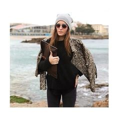 WHAT ABOUT A GIRL @galagonzalez @street_look #emmetrend #fashionblogger #fashionista #galagonzalez #streetlook #fashion #styleicon #streetchic #streetstyle