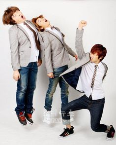 hahahaha it is the first time i am seeing this...! look at them!! XD