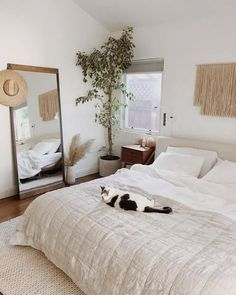 Nice 36 Top Minimalist Bedroom Decoration Ideas For Tiny Home Design. Home Design, Interior Design, Design Ideas, Interior Colors, Design Room, Bed Design, Luxury Interior, Interior Paint, Modern Interior