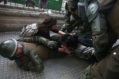 Protesta estudiantil en Chile en Fotogalería del EL PAÍS -   HECTOR RETAMAL (AFP)