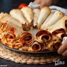 Great for kids.pizza Great for kids.pizza The post Great for kids.pizza appeared first on Fingerfood Rezepte. Appetizer Recipes, Snack Recipes, Cooking Recipes, Finger Food Recipes, Cooking Ham, Appetizers For A Crowd, Appetizers For Party, Pizza Recipes, Finger Foods