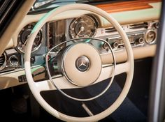 1968 MERCEDES-BENZ 280 SL ROADSTER