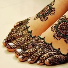 Stunning Henna I love it so much. But it's very big. And complicated I'm going to do this for summer with flip flops and sandels