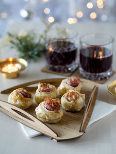 Suolaiset Joulutortturuusut Savoury Baking, Nordic Christmas, Christmas Inspiration, Mini Cupcakes, Oreo, Waffles, Nom Nom, Special Occasion, Bakery