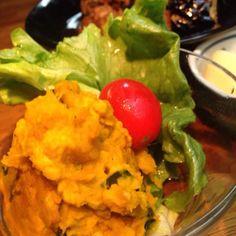 マヨネーズにバジルと松の実を加え風味豊かに❤︎ - 27件のもぐもぐ - かぼちゃサラダ by pretties